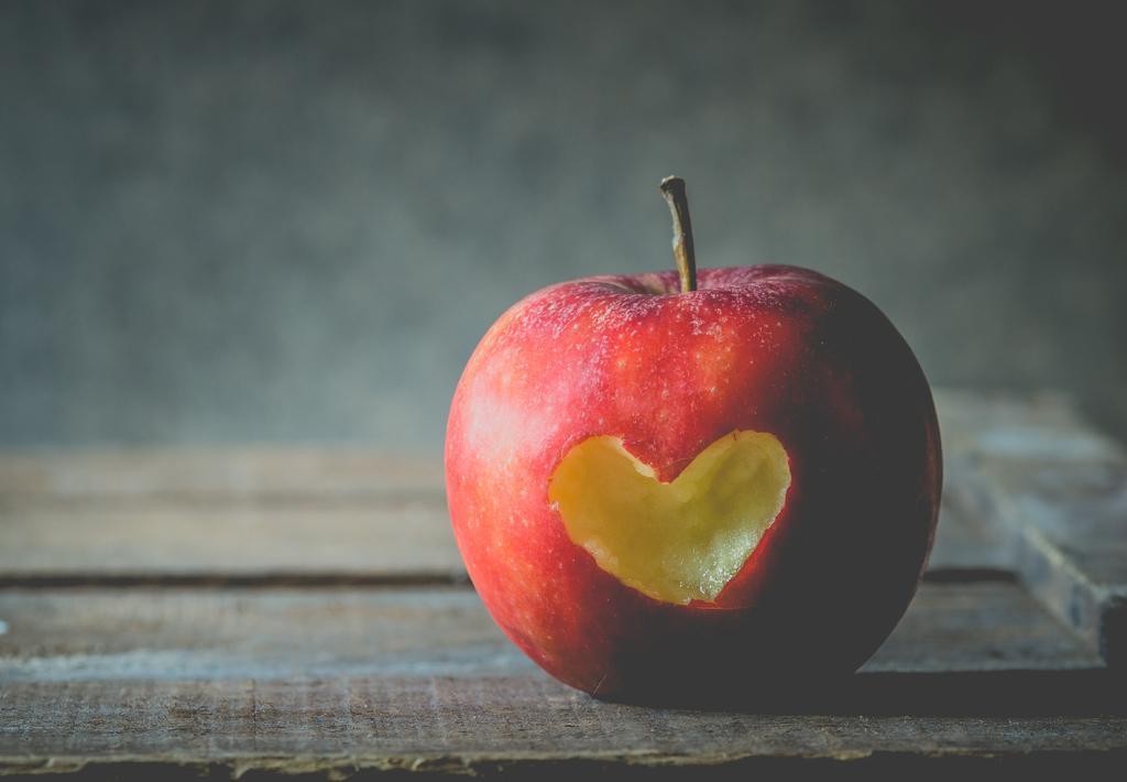 Αποτέλεσμα εικόνας για μηλο καρδια