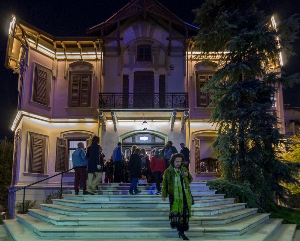 774913f404b ... Θεσσαλονίκη στο ΜΙΕΤ όπου η Βίλα Καπαντζή γέμισε μόδα, στιλ και έμπνευση  φιλοξενώντας τις εντυπωσιακές δημιουργίες 40 περίπου σχεδιαστών κυρίως από  την ...