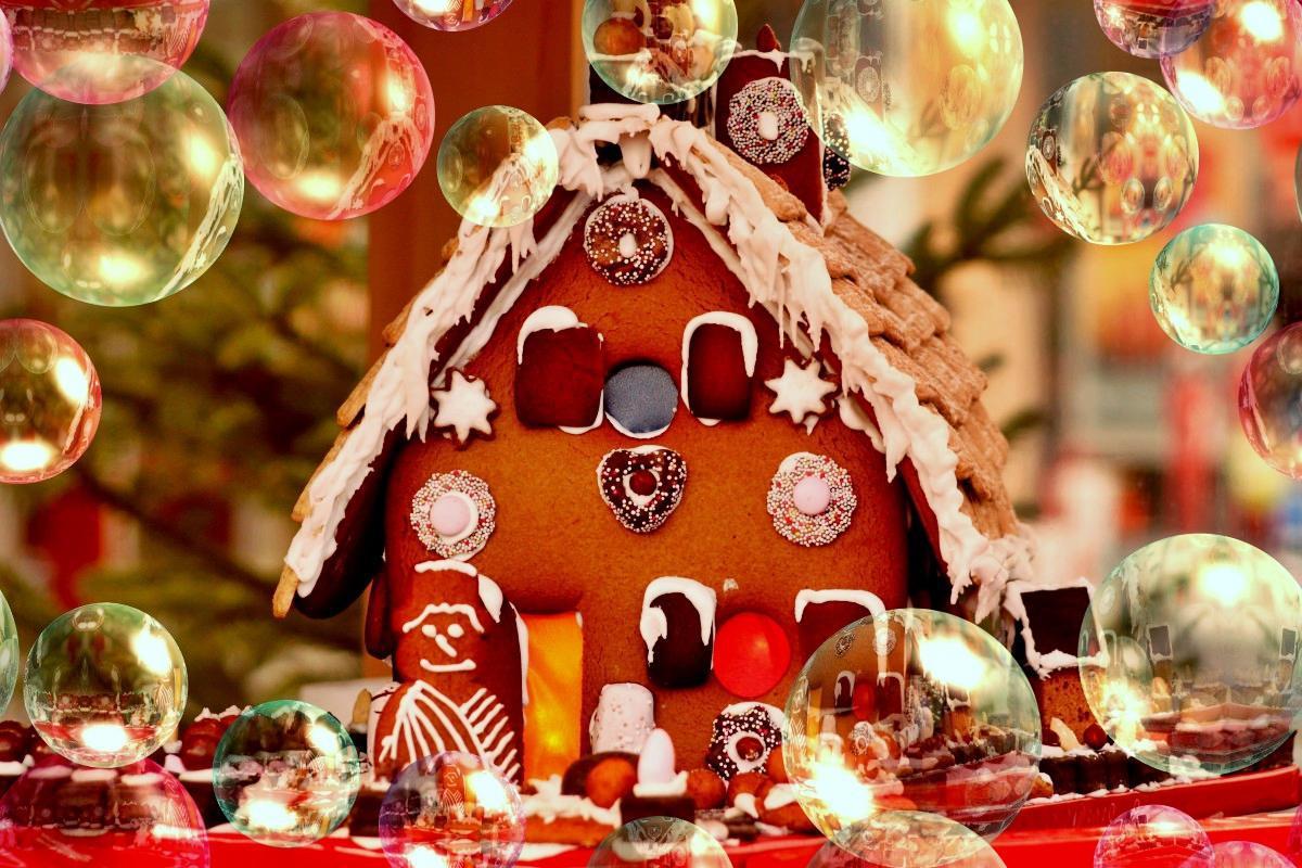 Τα Χριστούγεννα είναι στην τελική τους ευθεία φέρνοντας μαζί τους τα  καθιερωμένα γιορτινά bazaar. Ξεκινούν ήδη τις επόμενες μέρες με έντονα  χρώματα 0a05afdcfb9