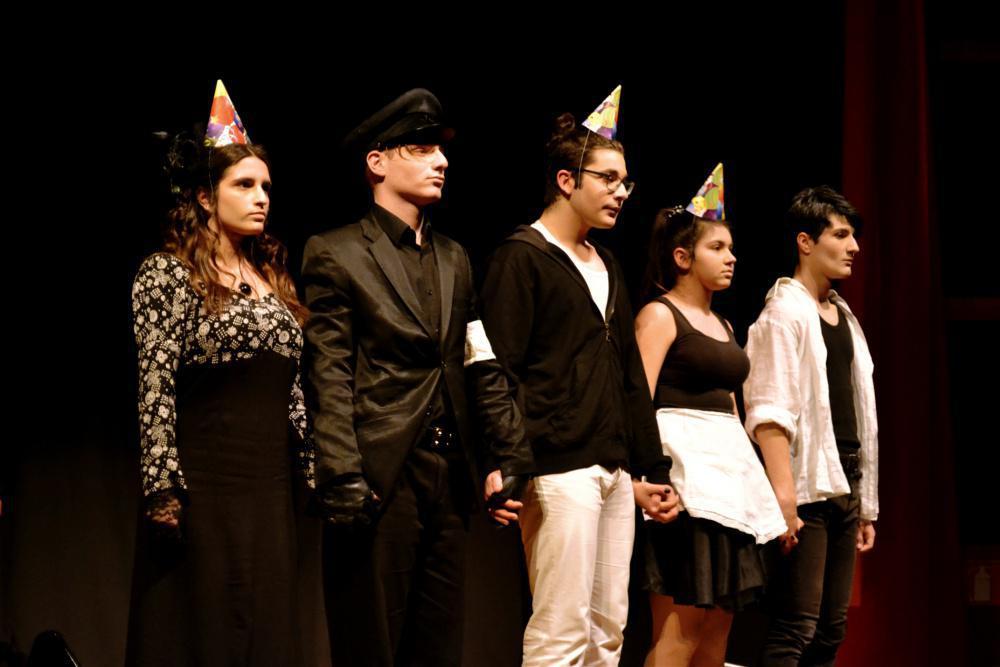 34ee7f80a19 Μία θεατρική παράσταση εφήβων που αξίζει να δεις στην Θεσσαλονίκη ...