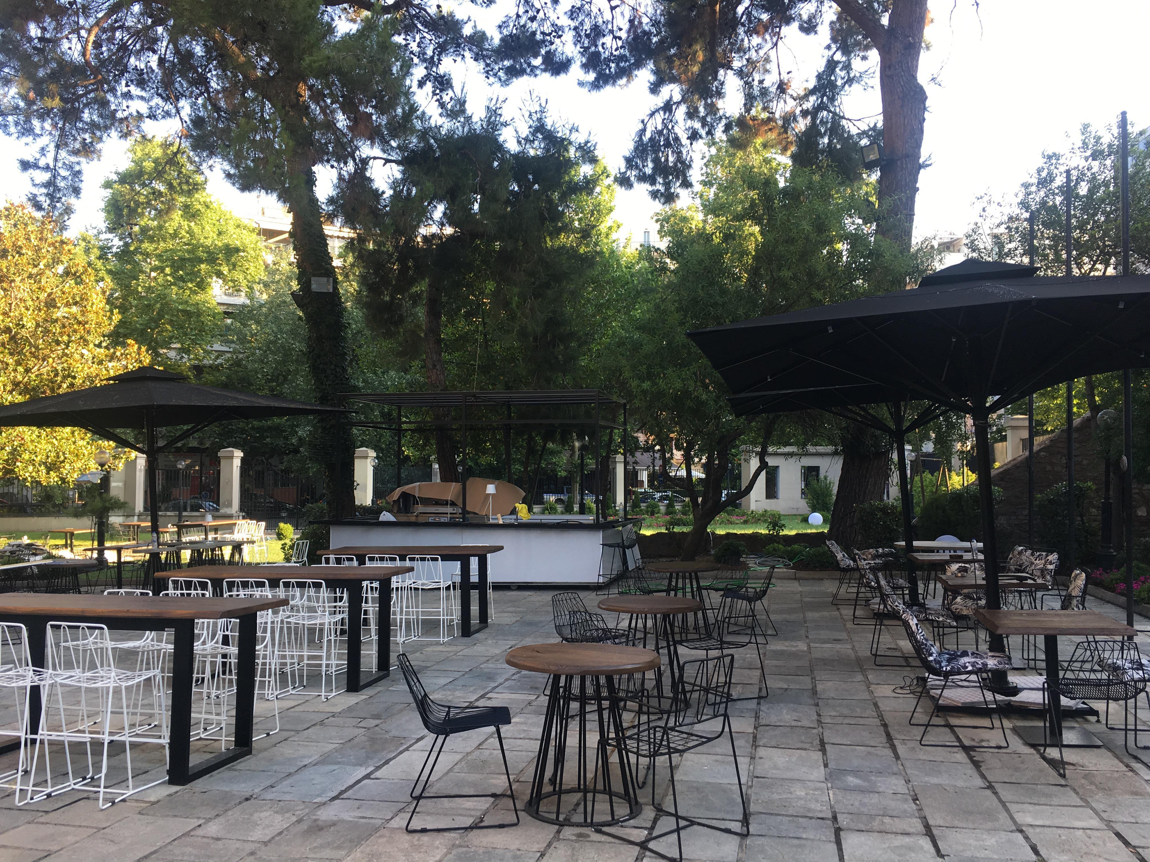 76e5451ac2a Ένα νέο καφέ αποκτά τις επόμενες μέρες ο κήπος της Βίλας Μπιάνκα, στη  λεωφόρο των εξοχών. Πρόκειται για την υλοποίηση της απόφασης του δήμου  Θεσσαλονίκης να ...